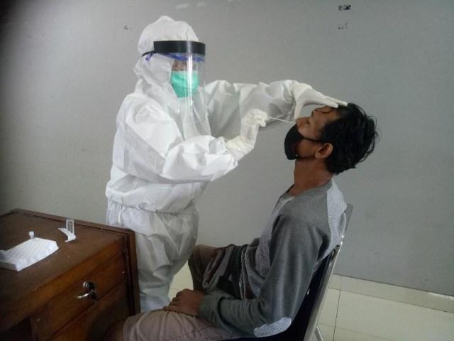 Laboratorium PCR untuk Tes Swab di Buleleng Mulai Tahap Uji Coba (6934)
