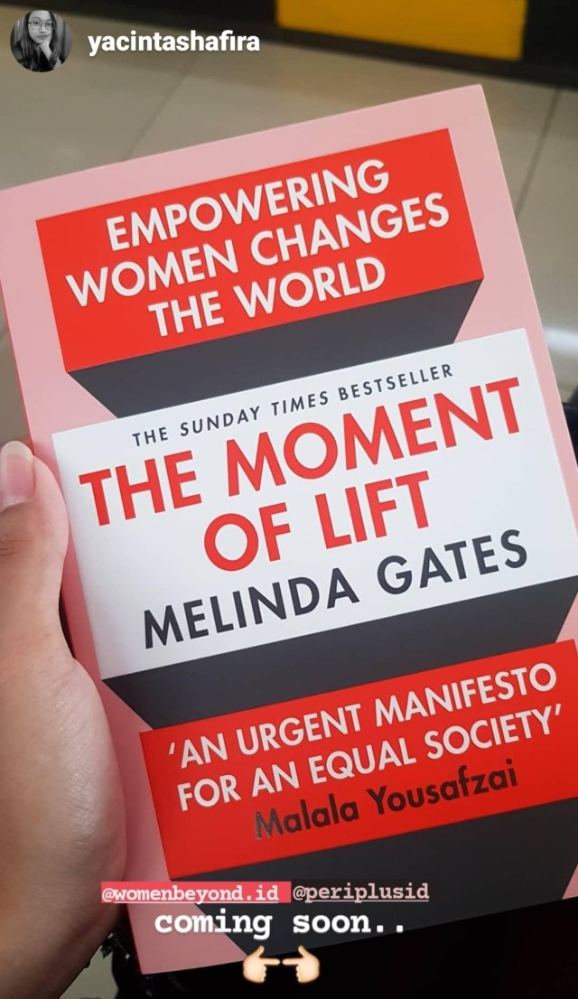 The Moment of Lift: How Empowering Women Changes the World (52459)