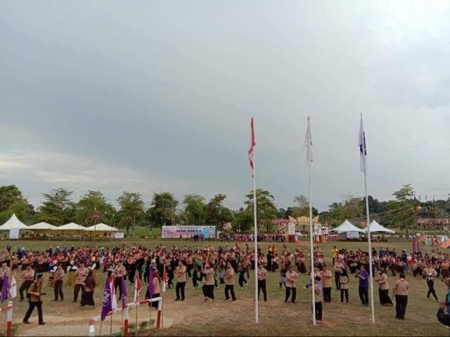 Diplomat Ladang: Menjelajahi Ladang Kelapa Sawit di Sarawak, Malaysia (117997)