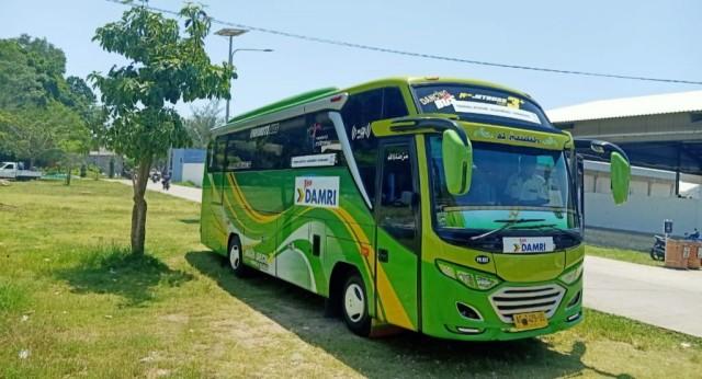 Bus Damri ke Pantai Sendangbiru Kembali Beroperasi (39224)