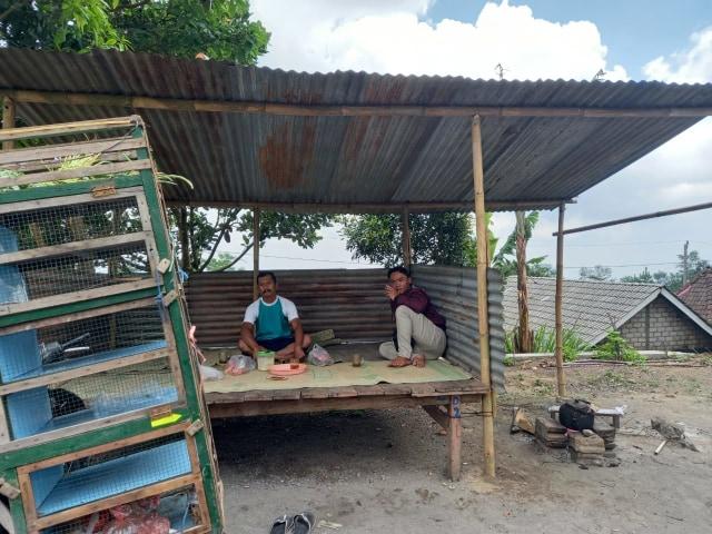 Sejumlah Warga di Desa Balerante Masih Bertahan di Rumah (33110)