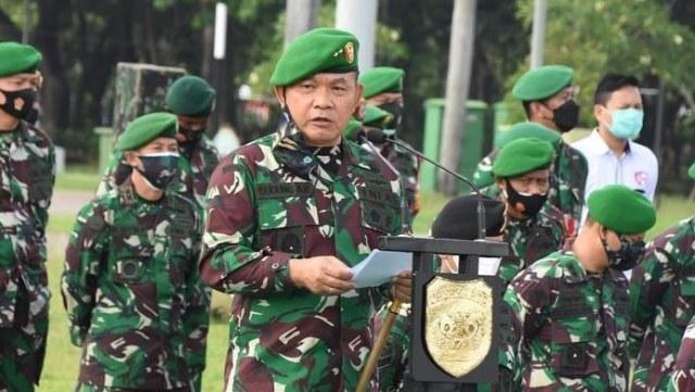 Saling Singgung Pangdam Jaya vs FPI soal Baliho Habib Rizieq (242074)