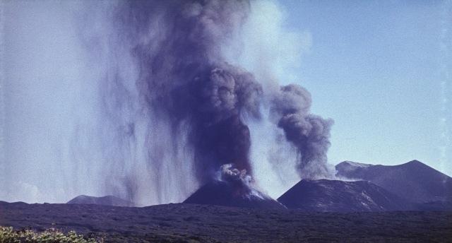 Peneliti Temukan Mineral Aneh di Kawasan Gunung Berapi, Ini Bentuknya (661469)