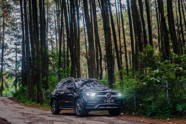 Kencan Singkat dengan SUV Premium Mercedes-Benz GLE 450 Rakitan Wanaherang (120211)