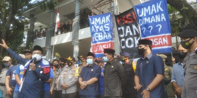 Soal Dualisme, Aremania Tagih Janji Wali Kota Malang (665725)
