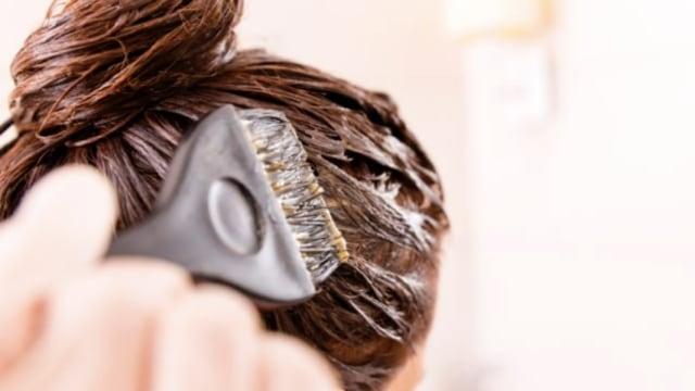 7 Bahan Alami yang Bisa Digunakan Ibu Hamil sebagai Pewarna Rambut (119752)