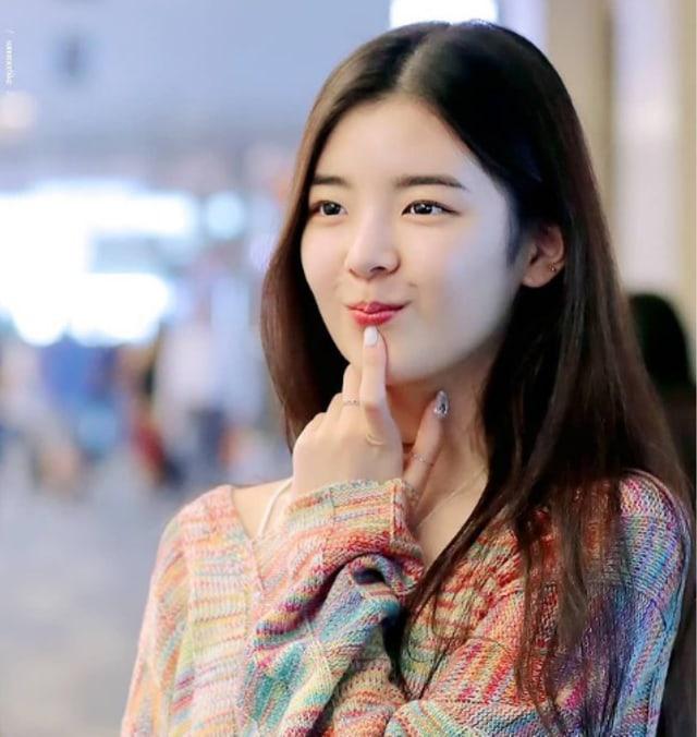 Lia Itzy, Intip Bukti Bahwa Idol Ini Sangat Cantik! (365010)