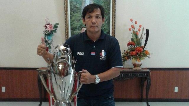 Video Detik-detik Ricky Yacobi Pingsan di Lapangan Usai Cetak Gol Indah (136176)