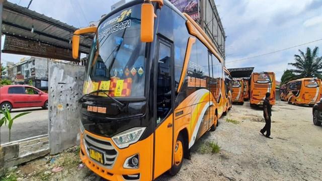 Kisah Kondektur Kini Jadi Pemilik Puluhan Bus Beromzet Hampir Rp 1 M (167066)