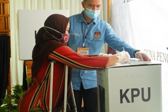 KPU Bandar Lampung Gelar Simulasi Pemungutan Suara Pilwalkot 2020 dengan Prokes  (101885)