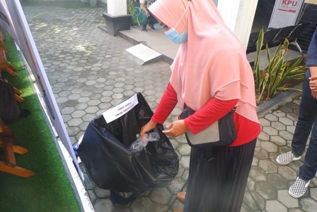 KPU Bandar Lampung Gelar Simulasi Pemungutan Suara Pilwalkot 2020 dengan Prokes  (101890)
