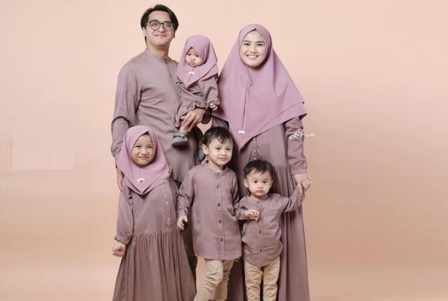 Kejutan Aneh Ricky Harun untuk Sang Istri yang Berulang Tahun (672709)