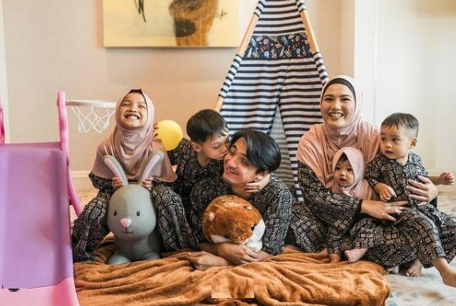 Kejutan Aneh Ricky Harun untuk Sang Istri yang Berulang Tahun (672710)
