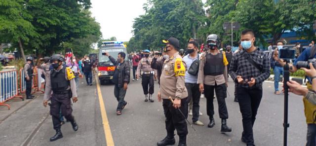 Aksi Penolakan Habib Rizieq di Kota Solo, Massa Dibubarkan Polresta Surakarta (49415)