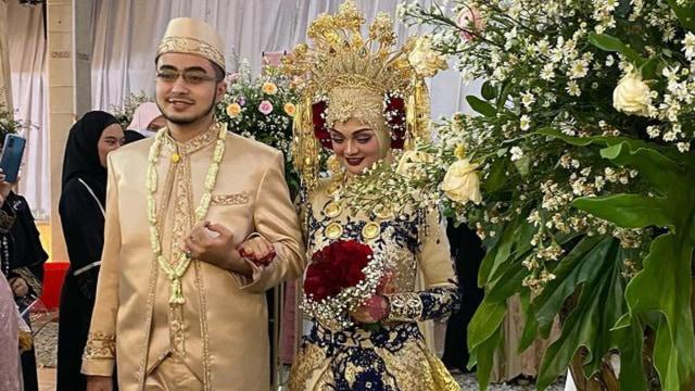 Momen Titiek Soeharto Kondangan ke Resepsi Pernikahan Putri Habib Rizieq (538421)