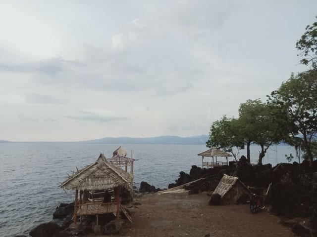 Pantai Kawaliwu Larantuka, Tempat Melihat Sunset dan Berendam Air Hangat (45764)