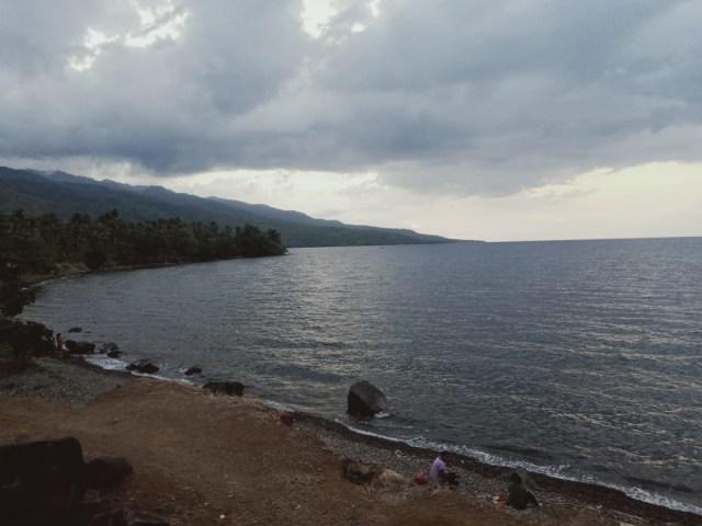 Pantai Kawaliwu Larantuka, Tempat Melihat Sunset dan Berendam Air Hangat (45765)