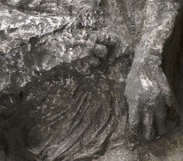 Ditemukan Jasad dari Tahun 79 Masehi Korban Letusan Gunung Kota Kuno  (419865)