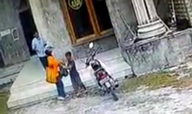 Diduga Maling Kotak Amal, Satu Keluarga di Malang Terciduk (43258)