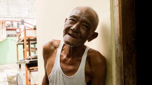 Kisah Kakek Penjual Soto di Jogja, Usia 93 Tahun Masih Kuat Dorong Gerobak (47135)