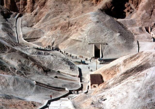 Mengapa Tidak Semua Raja Mesir Kuno Dikubur di Bawah Piramida? (546323)