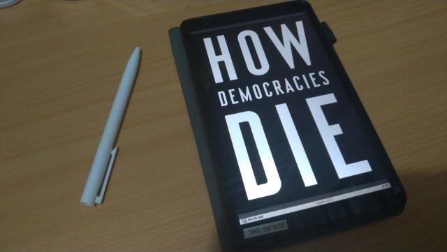 Di Bawah Bayang-bayang Kematian Demokrasi (27860)