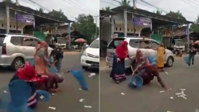 Video Pengendara Mobil Sebar Uang Ratusan Ribu di Jalan Raya, Warga Rebutan (14045)