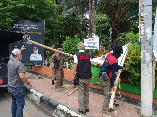 FPI Makassar Dukung Cara Satpol PP Copot Baliho Habib Rizieq: Etis dan Beradab (81055)