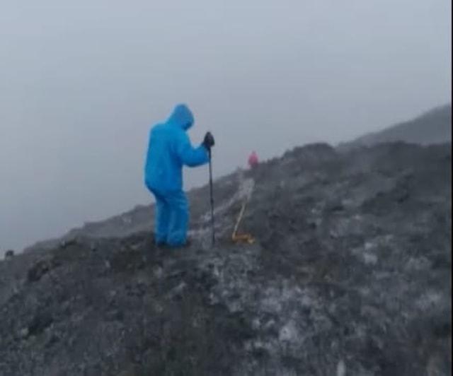 Video: Fenomena Hujan Es Melanda Gunung Slamet (55714)