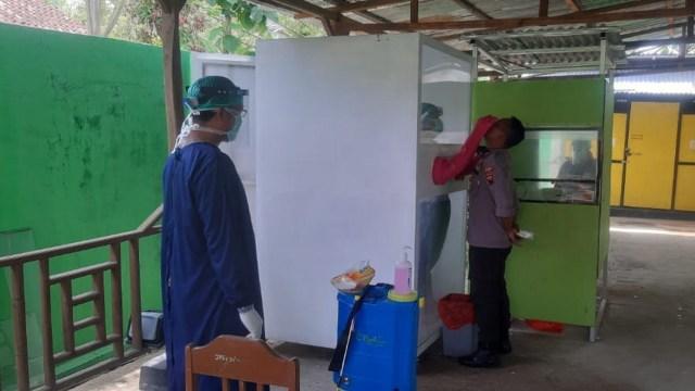 Jelang Pilkada Blora 2020, Anggota Polsek Kunduran Jalani Swab Test (484881)