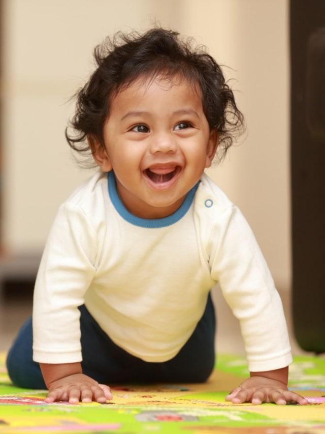Bayi Merangkak Mundur, Apakah Orang Tua Perlu Khawatir? (338136)