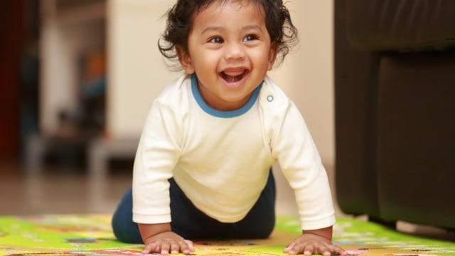 Bayi Merangkak Mundur, Apakah Orang Tua Perlu Khawatir? (338137)