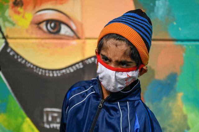 Orang Tua Sakit dan Meninggal Akibat COVID-19, Anak-anak di India Telantar (98731)