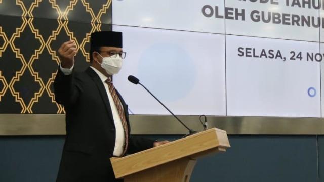 Anies Lantik 5 Anggota Komisi Informasi DKI Jakarta Periode 2020-2024  (56284)