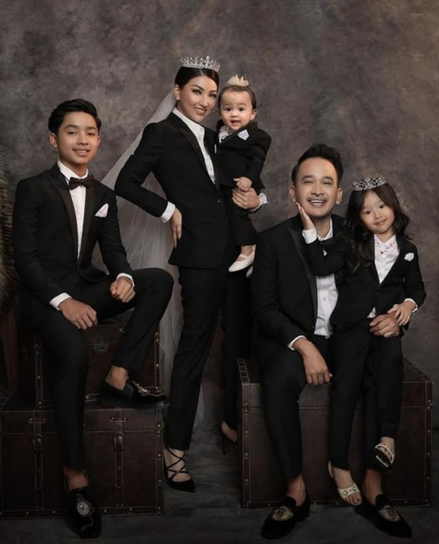 Ruben Onsu dan Sarwendah Sekolahkan Nissa Penyanyi Gerobak Dorong yang Viral  (267108)