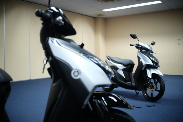 Solusi Yamaha Gear 125 untuk Pemotor yang Doyan Bawa Barang Banyak di Deck  (337978)
