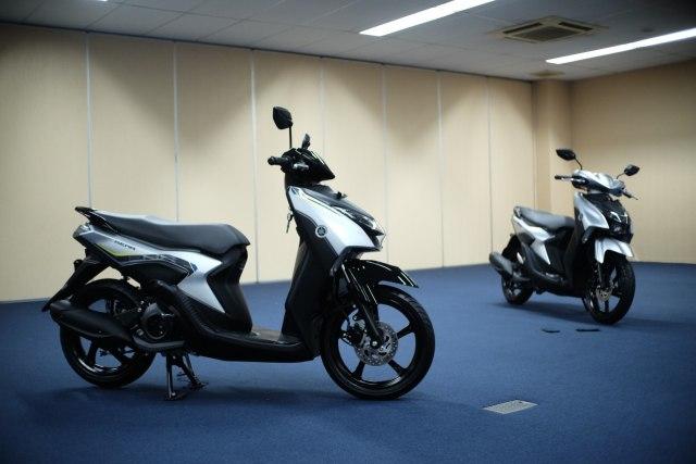 Solusi Yamaha Gear 125 untuk Pemotor yang Doyan Bawa Barang Banyak di Deck  (337981)