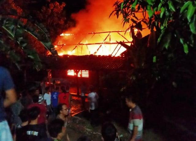 Pabrik Penggilingan Padi Terbakar di Kuningan, Jabar, Kerugian Rp 268 Juta (62277)