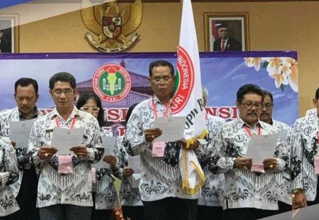 Hari Guru, PGRI Ungkap Masih Ada Guru Dibayar Rp 200 Ribu Per Bulan di Bali (339233)