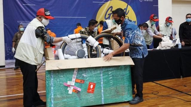 Deretan Bukti Kasus Edhy Prabowo: Sepeda, Tas Hermes, hingga Jam Rolex (5)