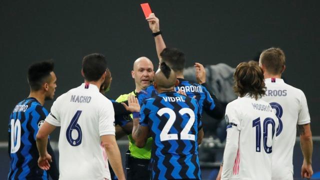 Inter vs Madrid: Diwarnai Kartu Merah & Bunuh Diri, Nerazzuri Keok 0-2 (12291)