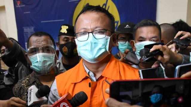 Pernyataan Lengkap Menteri Edhy Prabowo Usai Ditetapkan Tersangka Oleh KPK (591)