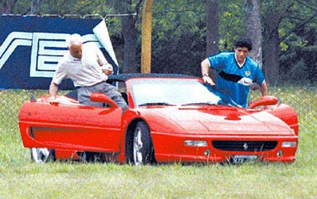 Diego Maradona dan Deretan Mobil yang Jadi Saksi Kisah Hidupnya (24185)