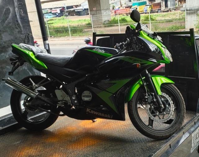Kawasaki Ninja RR 150 NOS Sisa 2 Unit, Harganya Cuma Rp 50 Juta!  (83404)