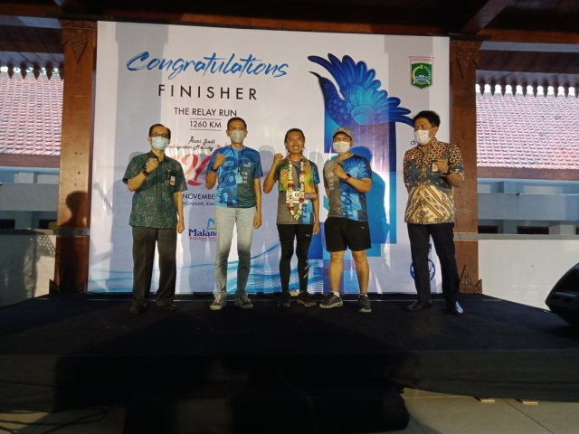 Finish The Relay Run 1.260 Km, 60 Runners Lewati 72 Wisata di Kabupaten Malang (45809)