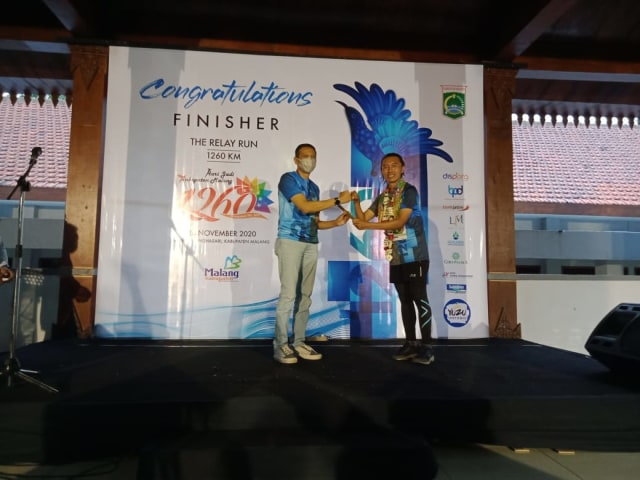 Finish The Relay Run 1.260 Km, 60 Runners Lewati 72 Wisata di Kabupaten Malang (45810)