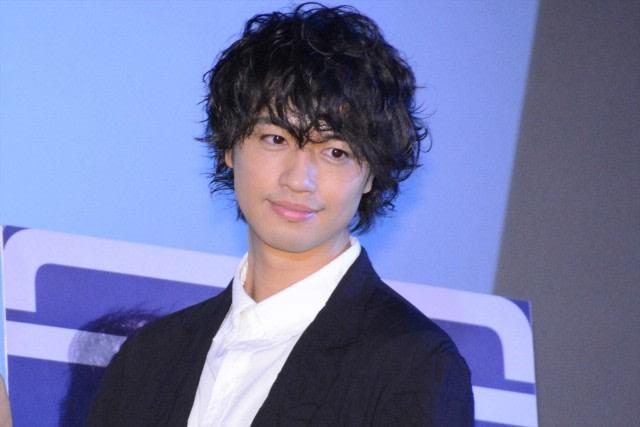 Banyak Fans yang Akan Patah Hati Kalau 7 Aktor Jepang Ini Menikah (67049)