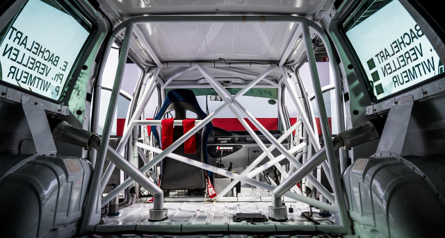 Unik, Mobil MPV Bongsor Ini Pernah Ikut Balap Ketahanan 24 Jam Spa-Francorchamps (9522)
