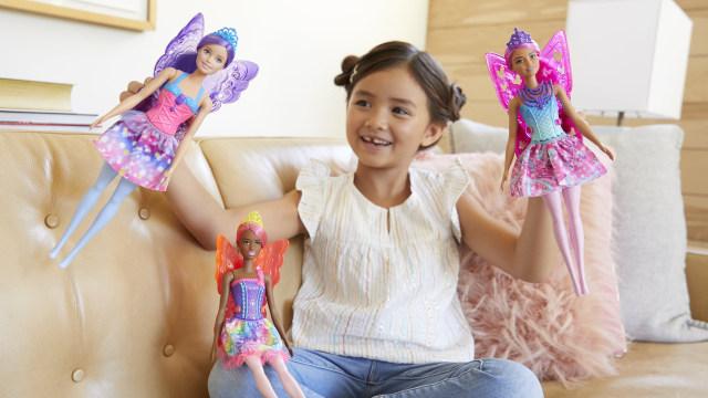 Studi: Bermain Boneka Dapat Kembangkan Keterampilan Sosial dan Empati Anak (121201)