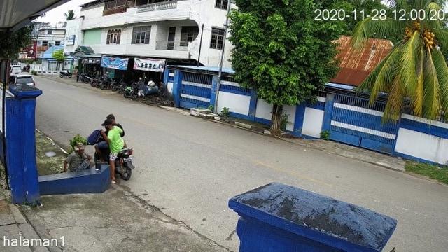 Kisah Pengemis Tua di Baubau, Uang Buat Beli Kain Kafan Dijambret 2 Pemuda (323341)